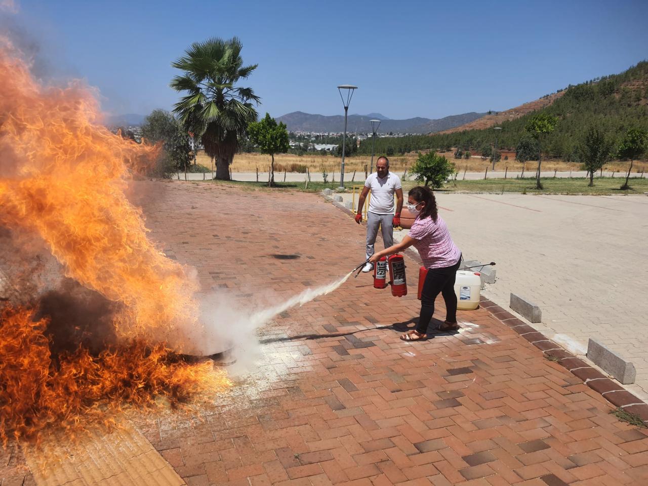 Yangın Eğitimi Uygulaması Gerçekleştirildi