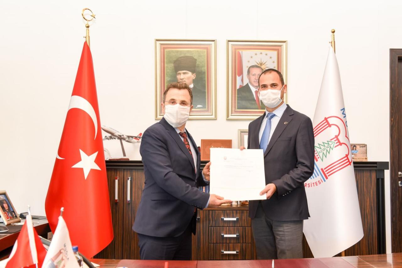 Fakültemiz Dekanı Prof. Dr. Artay Yağcı Üniversitemizin Rektör Yardımcılığı görevine atanmıştır.